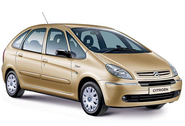 The Citroën Xsara Picasso is the cheapest way to acquire some space for the family and get a comfy ride and a decent engine