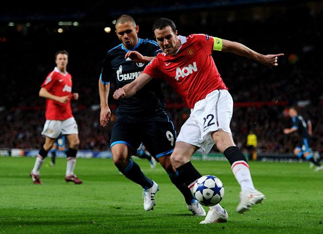 <b>John O'Shea:</b> A good stage for him to captain from. Accomplished at left-back. Tidy on the ball without being cavalier. 7