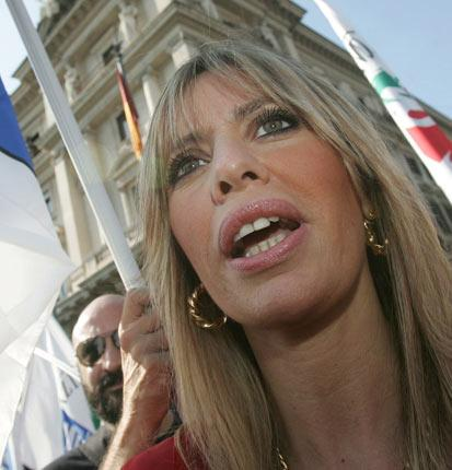 Benito Mussolini's granddaughter, Alessandra Mussolini, has reacted to the 'ranking list' by making jokes about the endowment of male PDL parliamentarians