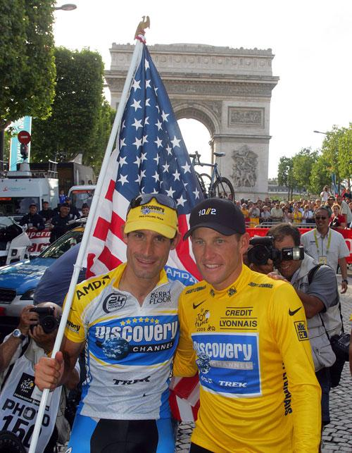 Hincapie (left) pictured with Lance Armstrong