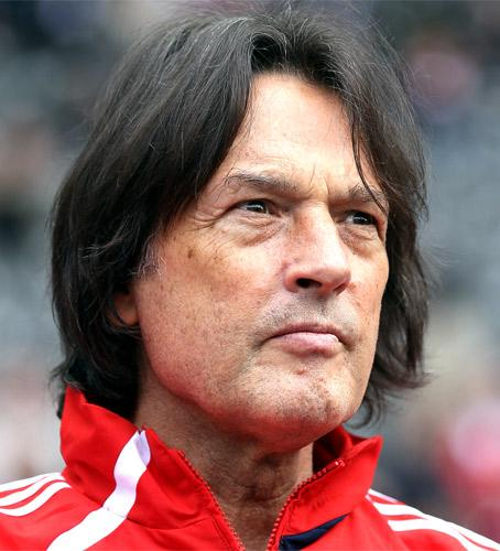 Dr Muller-Wohlfahrt has treated numerous famous sportsmen and celebrities, including the likes of Michael Jordan and Luciano Pavarotti