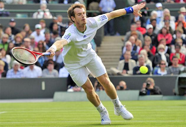 Murray en route to a straight sets victory over Tobias Kamke