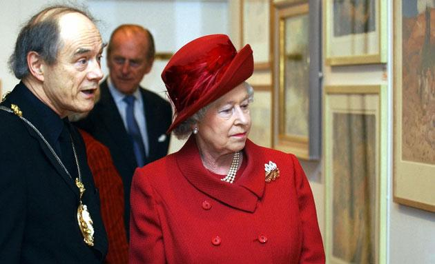 Trevor Frankland with the Queen in 2004