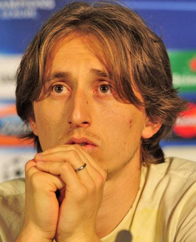 Spurs are trying to convince Luka Modric to spurn the advances (and pay packet) of Chelsea