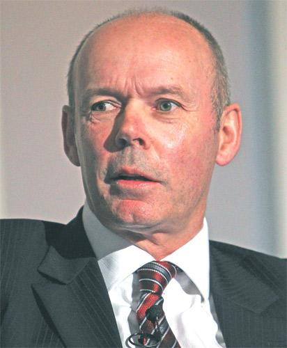 Sir Clive Woodward had informal discussions about a role at the RFU but will stay with the BOA next year