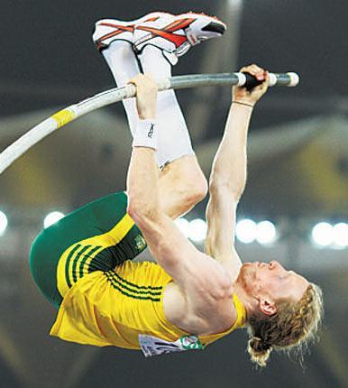 Australian pole vaulter Steve Hooker is training in London for the 2012 Games