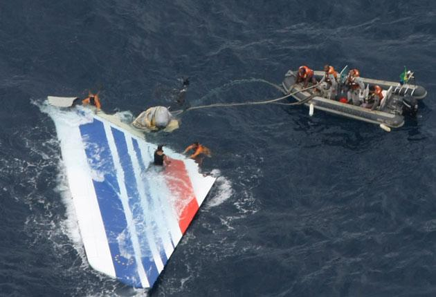 The Brazilian navy recovers wreckage from the Air France Airbus from the Atlantic