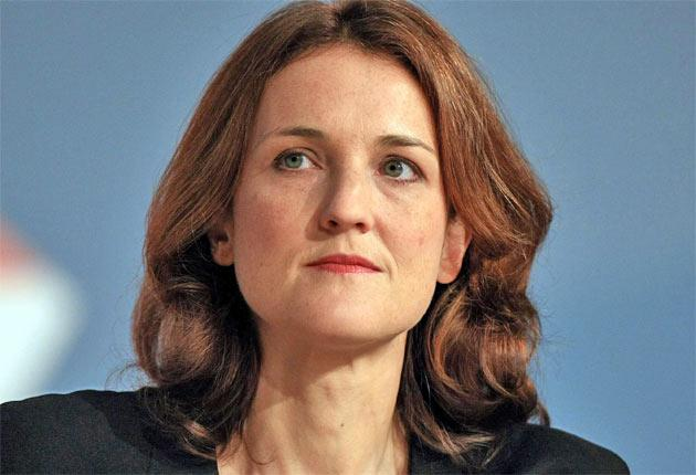 The rail minister, Theresa Villiers, wrote that the sacked call-centre workers had the right to work for the new owner - but it moved many of the jobs to India