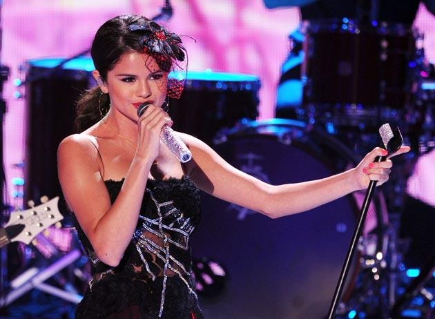 Selena Gomez pictured performing at the awards ceremony last night
