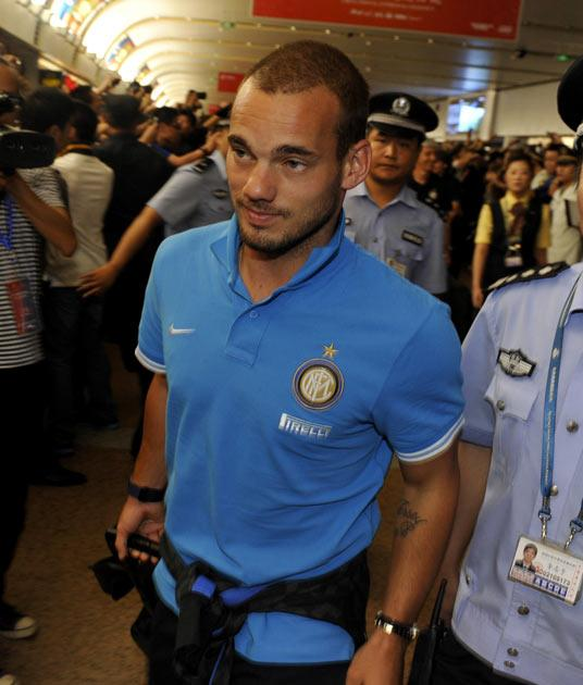 Sneijder's wages are thought to be a stumbling block to any proposed move