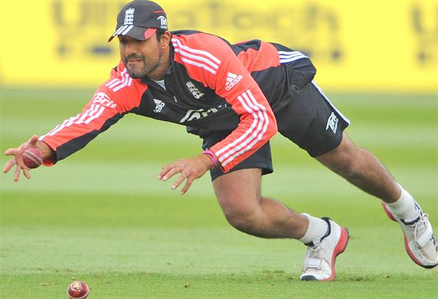 Ravi Bopara, who will bat at No 6 and can bowl a few overs, practises at Edgbaston