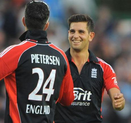 Jade Dernbach, right, took 4 for 22 against India on Wednesday and enjoys the challenge of taking on batsmen in tense final overs