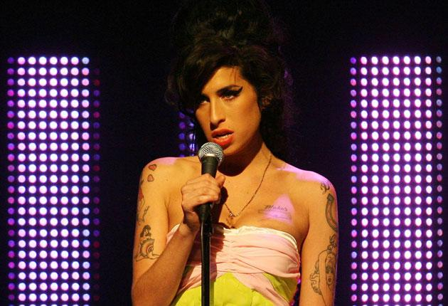 Amy Winehouse performs at the Mercury Music Awards in 2007