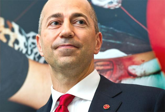 Ivan Gazidis (above) said only 'a fool' would question Arsène Wenger's position