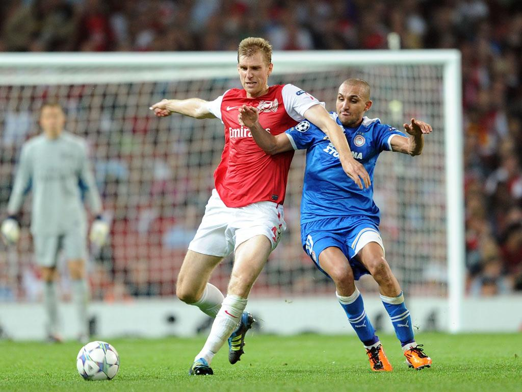 New Arsenal defender Per Mertesacker expects Sunday's north London derby to be a real firecracker