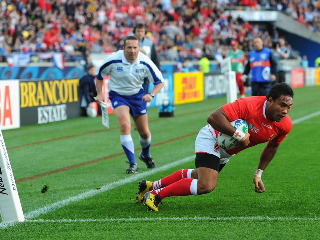 Sukanaivalu Hufanga scores for Tonga against France