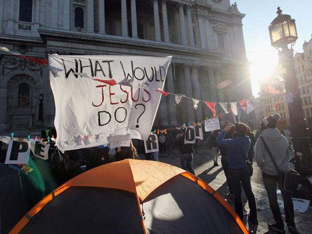 The City of London Corporation voted to go ahead today with court action to remove more than 200 tents outside St Paul's