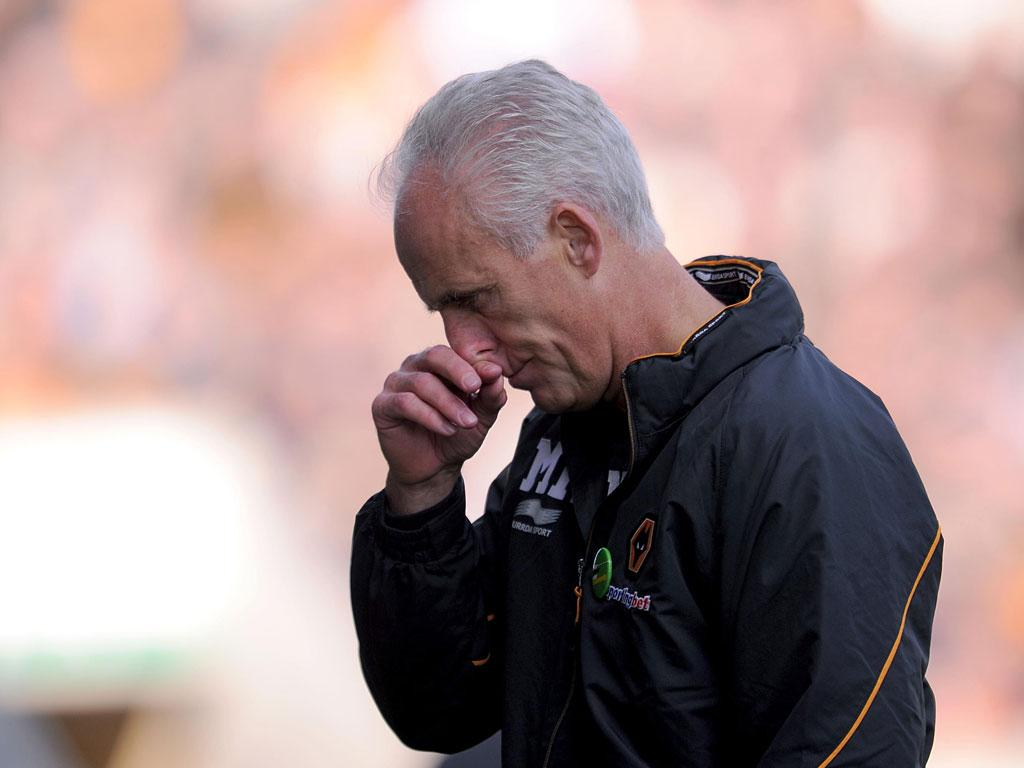 Fans must realise that positive support lifts players: Does a manager have the right to criticise his own club's fans? I can understand Mick McCarthy's frustration with sections of the Wolves support. As a player the atmosphere in your home ground makes a