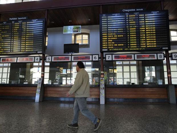 A general strike inPortugalis disrupting travel