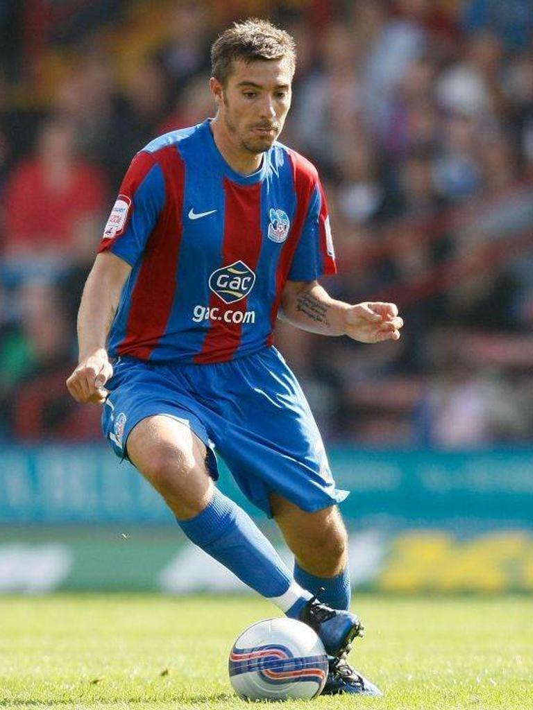 Glenn Murray's penalty miss extends Palace's barren run