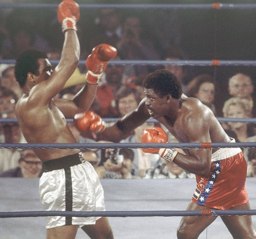Lyle, right, goes on the attack against Muhammad Ali during their 1975 world title fight in Las Vegas