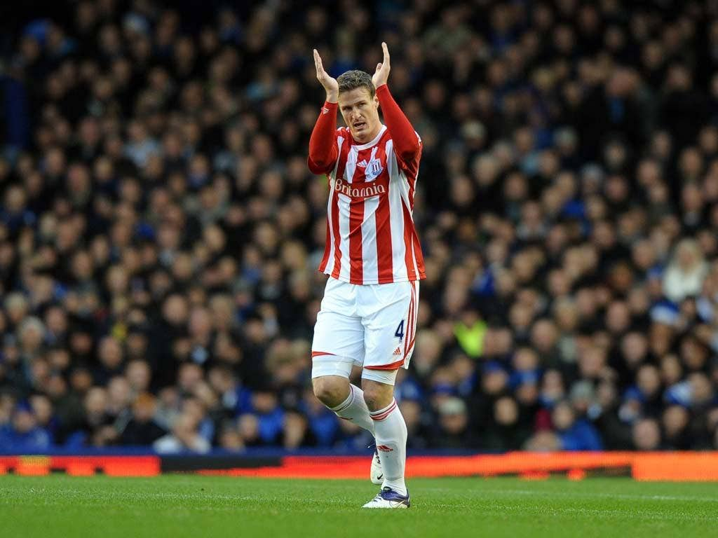 Stoke held on after Robert Huth gave them an early lead