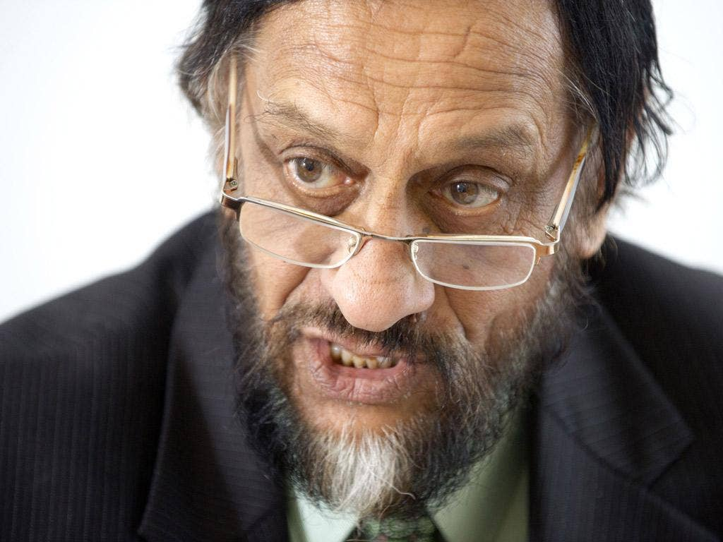 The head of the IPCC, Dr Rajendra Pachauri, apologised over his claim that the glaciers would disappear by 2035