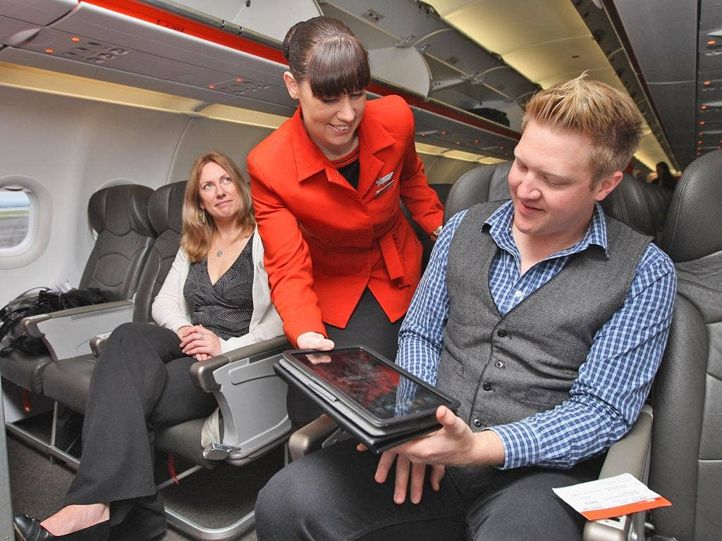 Passengers say that they still prefer to read printed magazines to digital versions