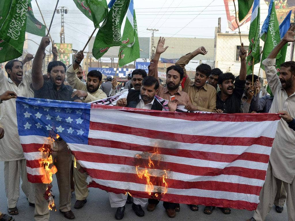 Pakistanis protest against the Nato strike on Pakistan troops