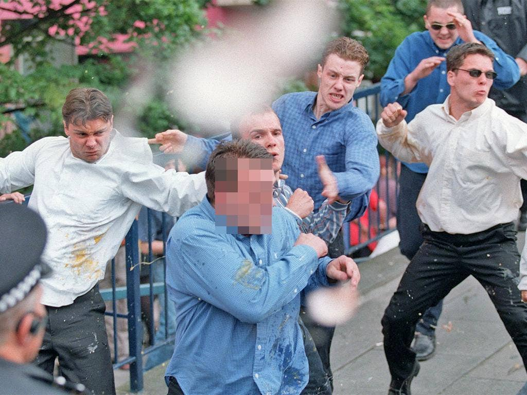 Suspects in the Lawrence murder case clash with his supporters after giving evidence to the public inquiry in July 1998. From left to right; Luke Knight, Neil Acourt, David Norris, Gary Dobson and Jamie Acourt