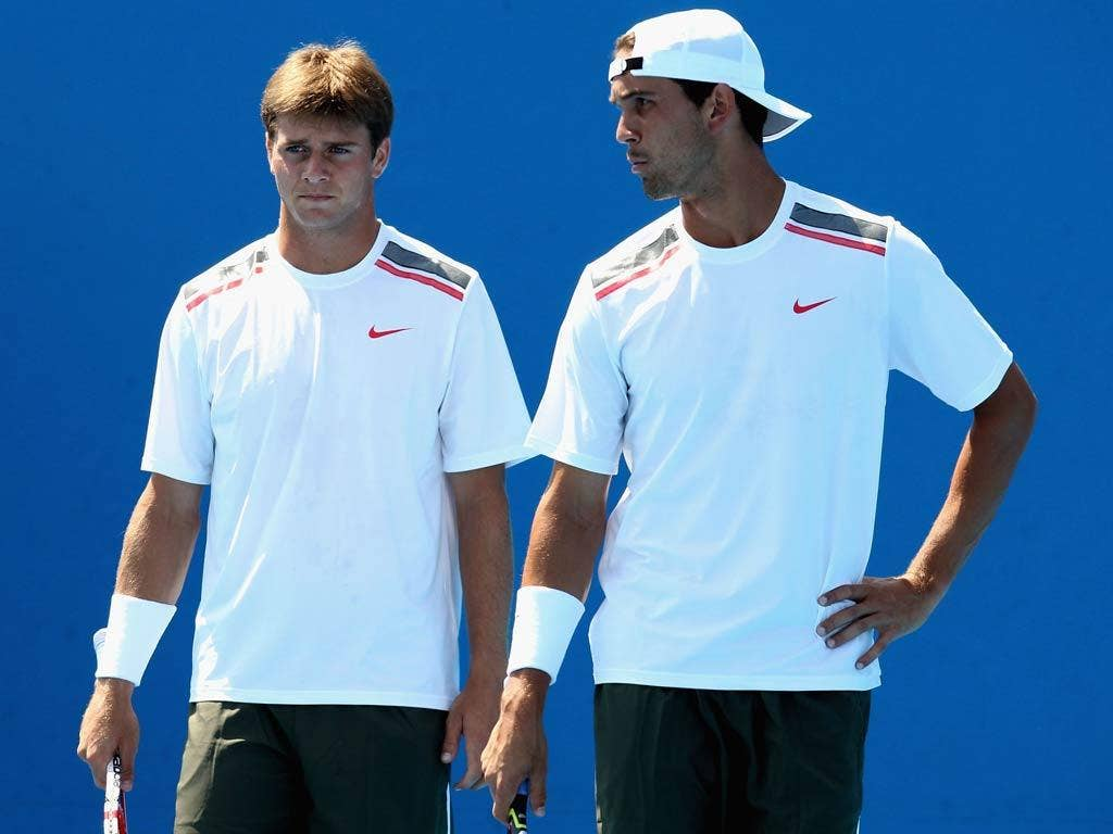 Colin Fleming and Ross Hutchins advanced into the second round of the men's doubles at the Australian Open