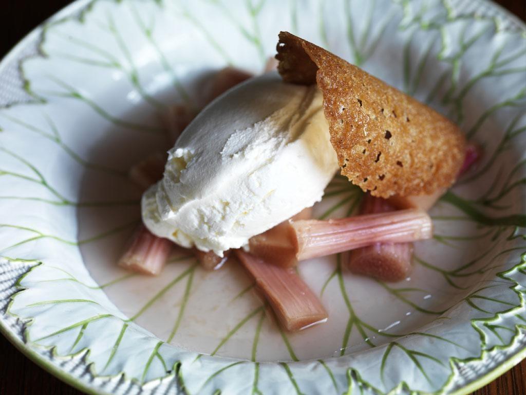 Gingered rhubarb compote