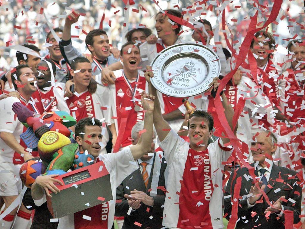 Rafael van der Vaart winning the title with Ajax