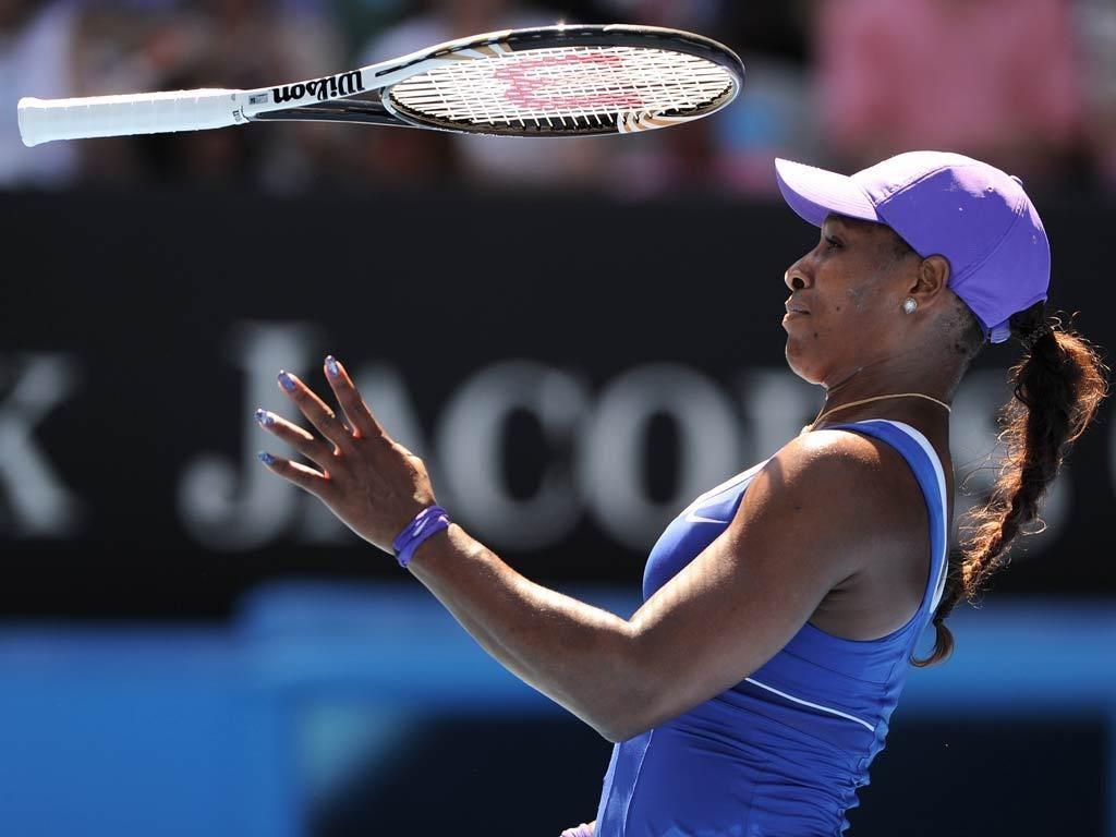 Serena Williams fell 6-2 6-3 in an error-strewn to Ekaterina Makarova