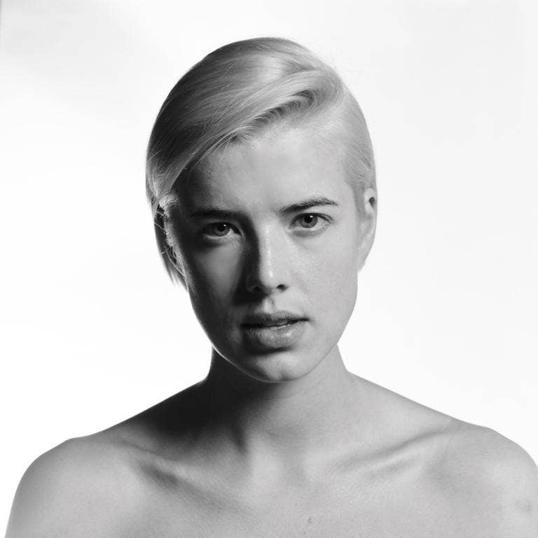 Agyness Deyn in The Leisure Society