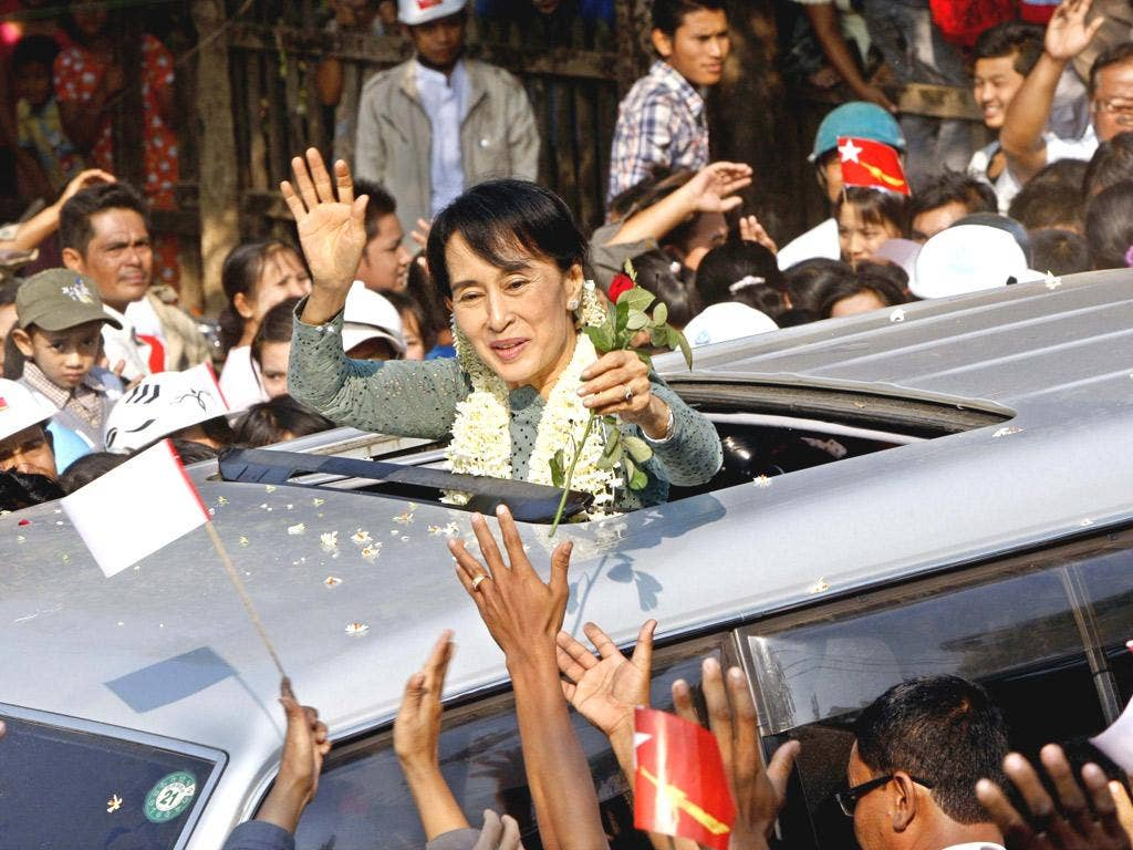 Thousands lined the streets to greet Burmese democracy leader Aung San Suu Kyi