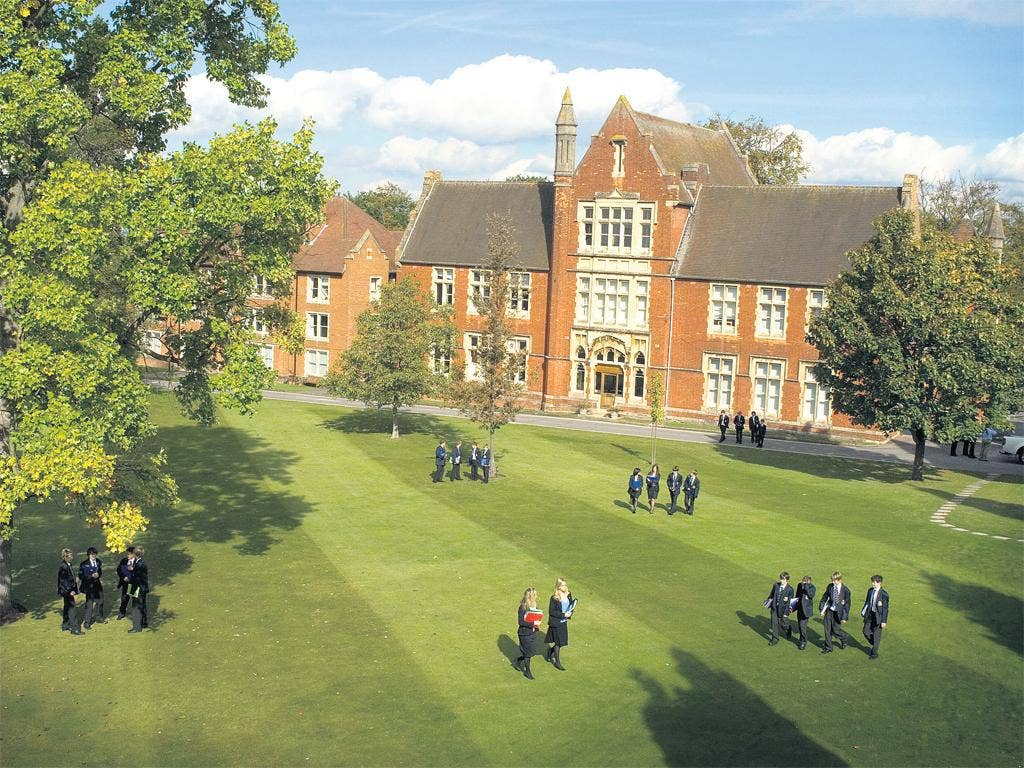 Schools such as Epsom College offer boarding as well as day study