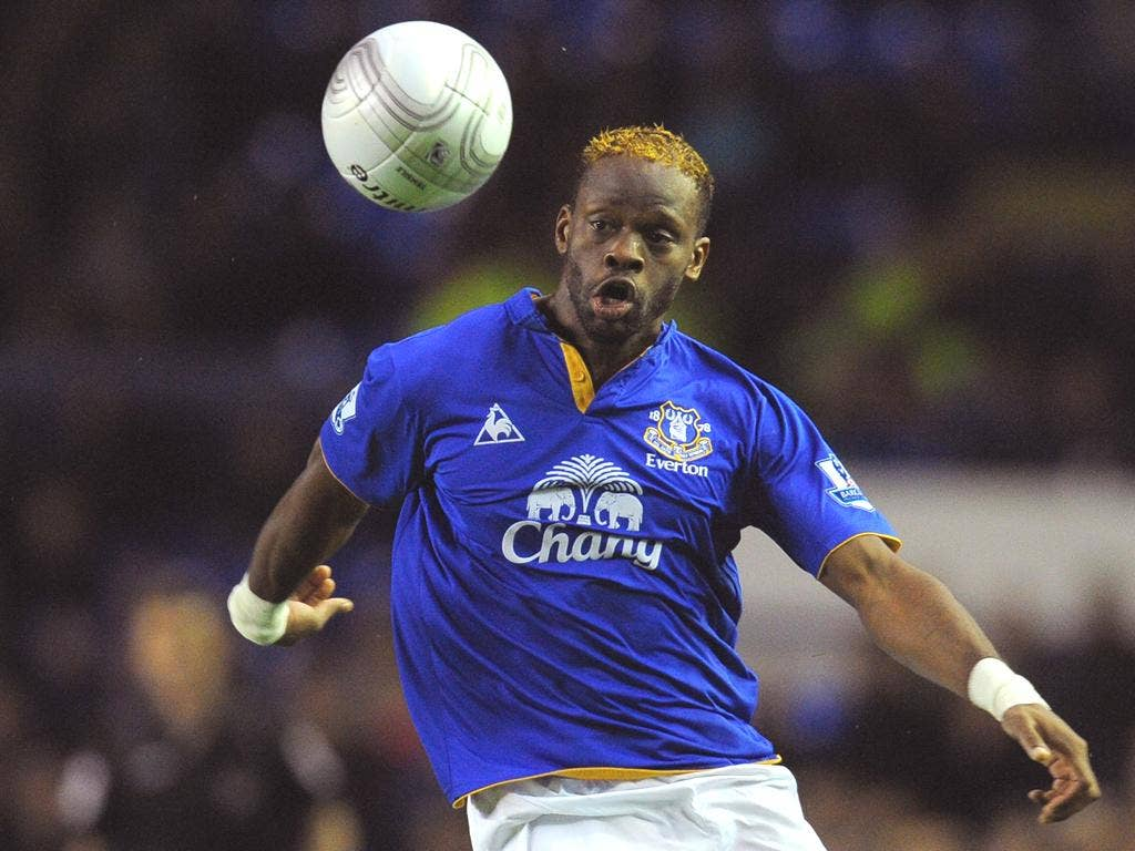 The former Everton striker adds experience to the Spurs squad, says Kevin Bond