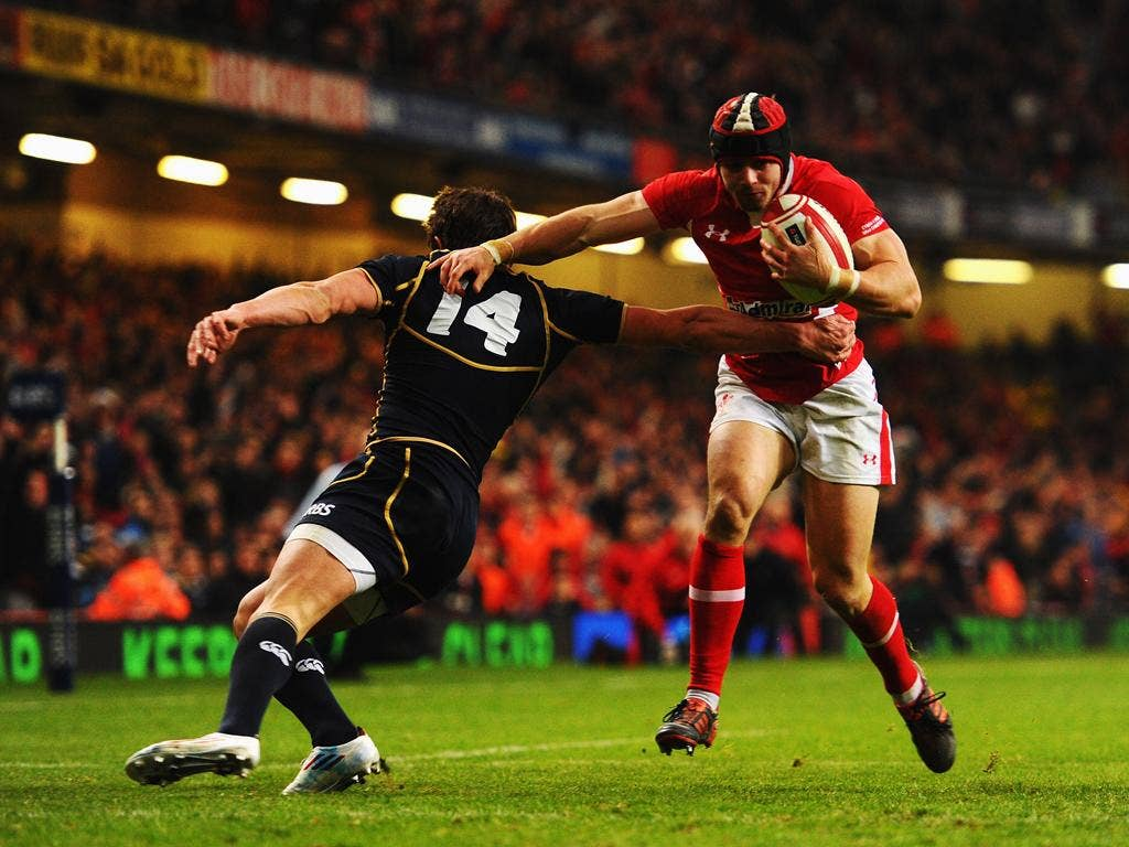 <b>Leigh Halfpenny: </b> Halfpenny had an excellent game both in attack and defence, scoring two tries and making Scotland pay on all but one occasion with the boot. 8/10