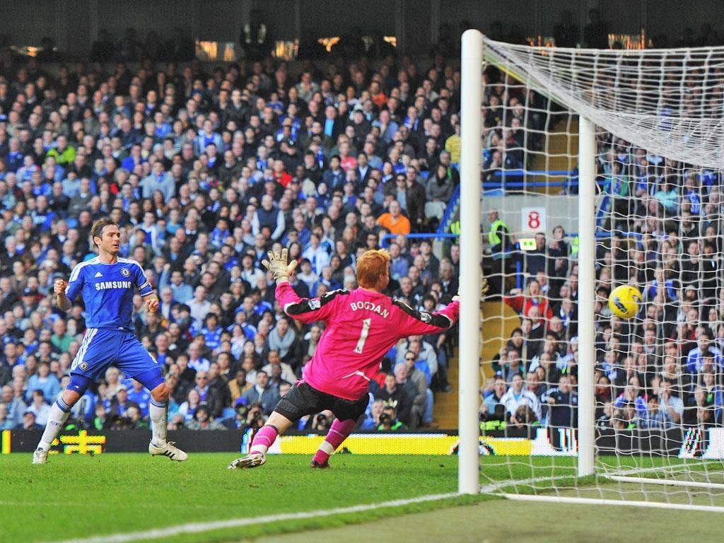 Frank Lampard seals a the three points for Chelsea, scoring their third goal