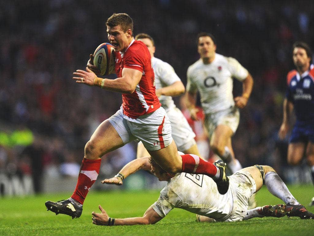 Scott Williams breaks through to score Wales' first try against England