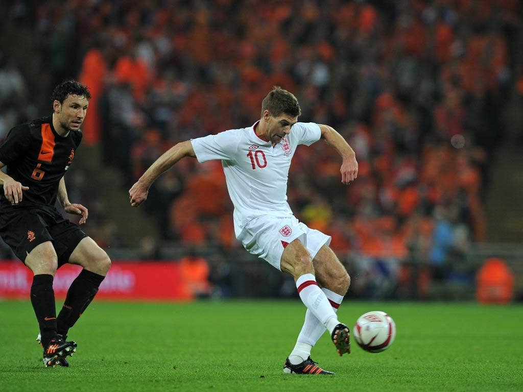 <b>Steven Gerrard: </b>Allowed to roam from a starting position behind Welbeck, he played some raking passes, not always successfully but was forced off after little more than half an hour. 6