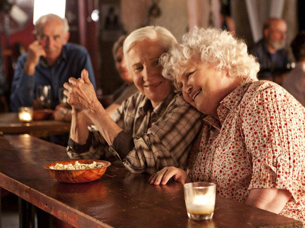 Olympia Dukakis and Brenda Fricker elope from their nursing home in 'Cloudburst'