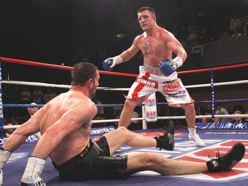 Enzo Maccarinelli is dumped on the canvas by Shane McPhilbin