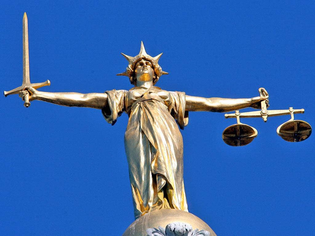 criminal courts Define criminal court: a court that has jurisdiction to try and punish offenders against criminal law.