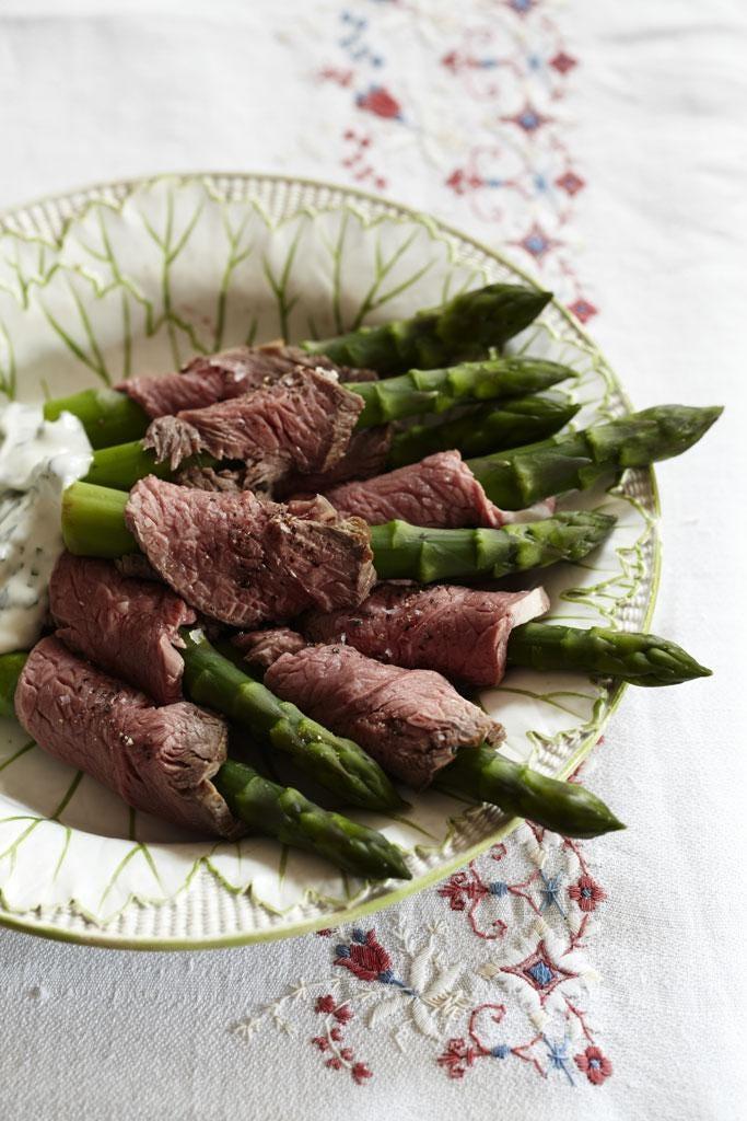 Asparagus and lamb wraps