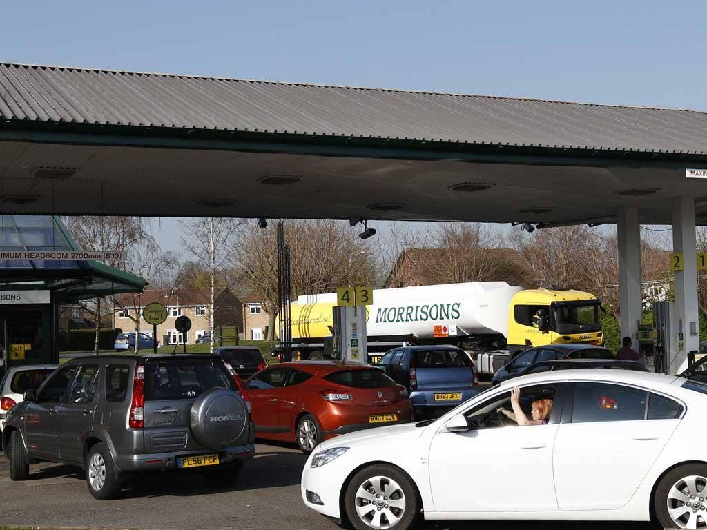 Many garages have reported long queues after Cabinet Office minister Francis Maude suggested drivers should fill up any spare jerry cans