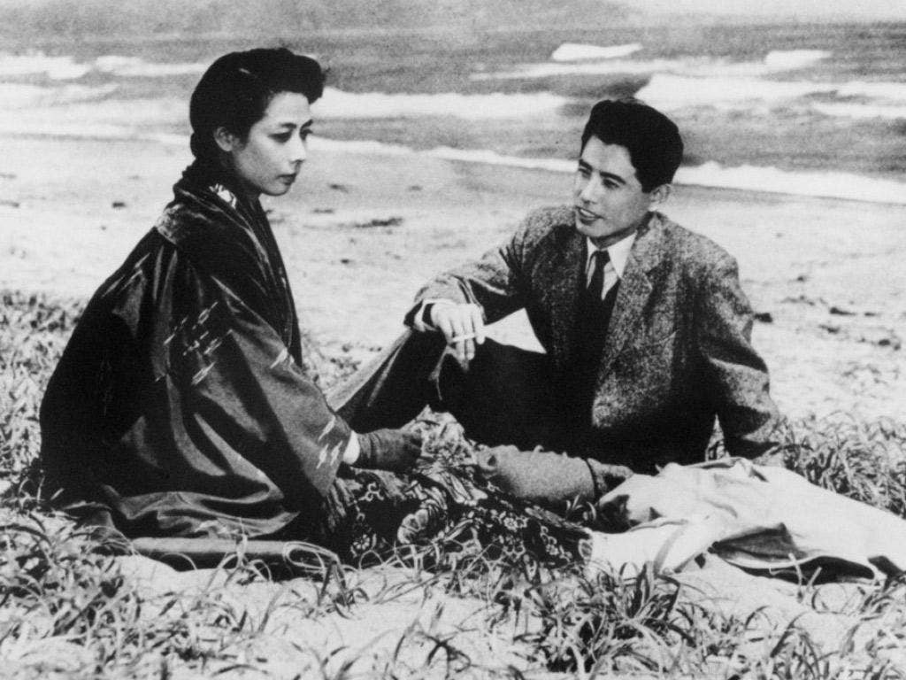 More than capable of taking over a film: Awashima with Isao Kimura in the 1958 film 'Nuages d'été'