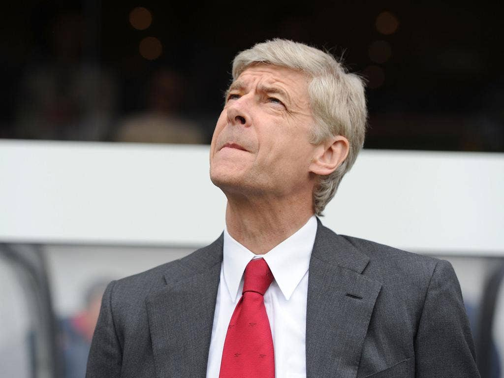 Arsène Wenger can only look up at the top two this season, but he seems to be backing United – albeit a little cryptically – to claim the crown
