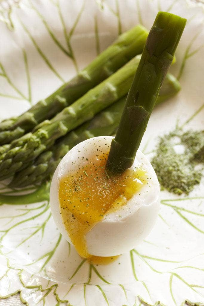 Duck eggs with asparagus soldiers